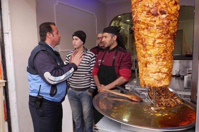 Haliliye'de Gıda Satışı Yapan İşyerlerine Zabıtadan Denetim