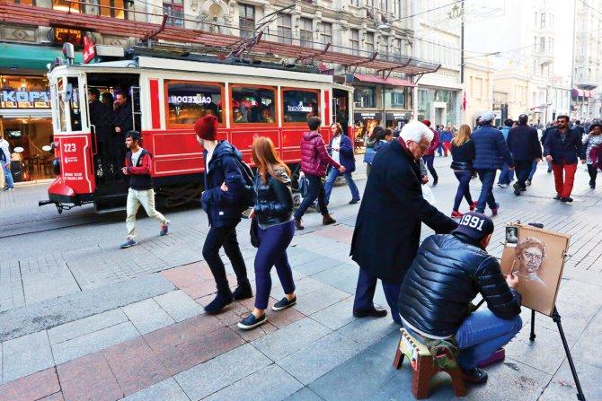 İstanbul tramvayları 102'inci yaşını kutluyor