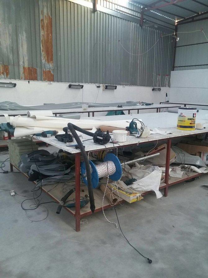 Suriyelilerin çalıştırıldığı bot imalathanesine operasyon
