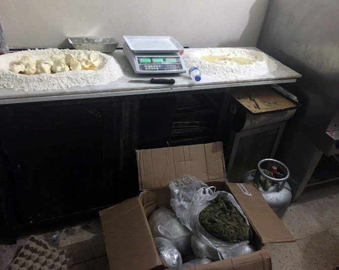 Boyoz Ve Gevrek Fırınında Uyuşturucu Satışını Polis Engelledi