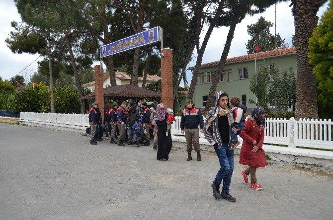 Yunanistan'a Kaçmak İsteyen 51 Göçmen Yakalandı