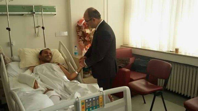 Bünyan Belediye Başkanı Şinasi Gülcüoğlu'ndan Polis Memuru Mehmet Doğan'a Geçmiş Olsun Ziyareti