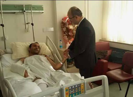 Başkan Gülcüoğlu'ndan yaralı polis memuruna ziyaret