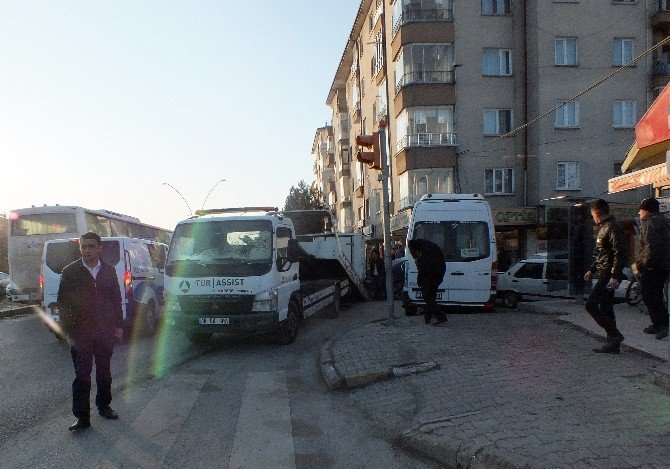 Çankırı'da Trafik Kazası: 3 Yaralı
