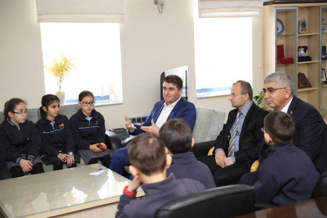Özel Ufuk Koleji öğrencileri Başkan Tosun'u ziyaret etti
