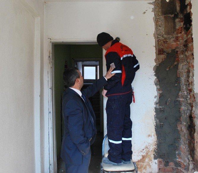 Pazarlar Belediyesi Konutlarının Bakım Ve Onarımı Yapılıyor