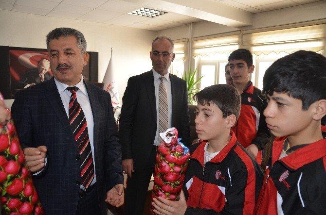 Öğrencilerden Müdür Arslan'a Ziyaret