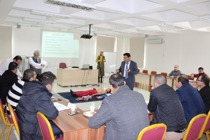 Niğde Belediyesinden İtfaiye Ekiplerine İlk Yardım Eğitimi