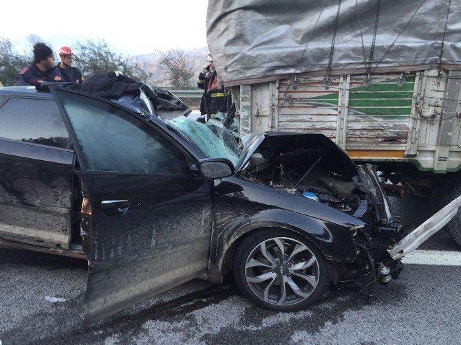 Otobanda Feci Kaza, Lüks Otomobilin Sürücüsü Kurtarılamadı