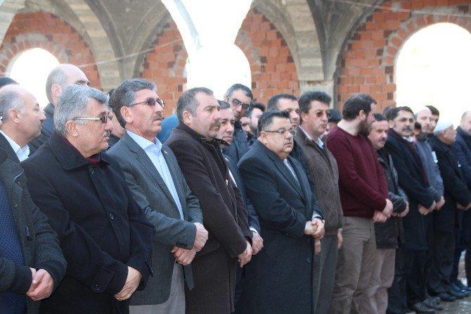 Bilecik 46 Yıllık Eczacıyı Dualarla Uğurladı