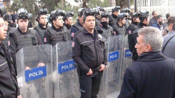 Cizre'de öldürülen 8 kişi otopsi için Şanlıurfa'ya getirildi