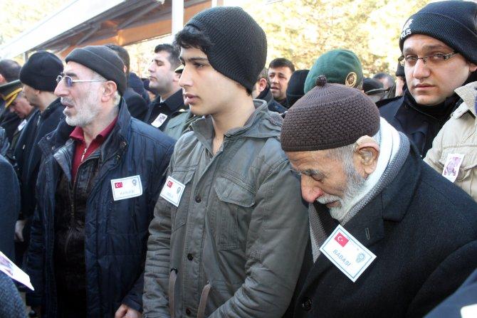 Şehit polis Osman Yurt, son yolculuğuna uğurlandı