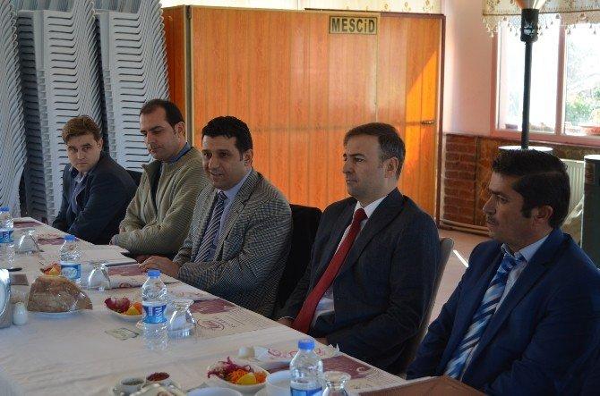 Kula'da Süt Üreticilerine Bilgilendirme Toplantısı