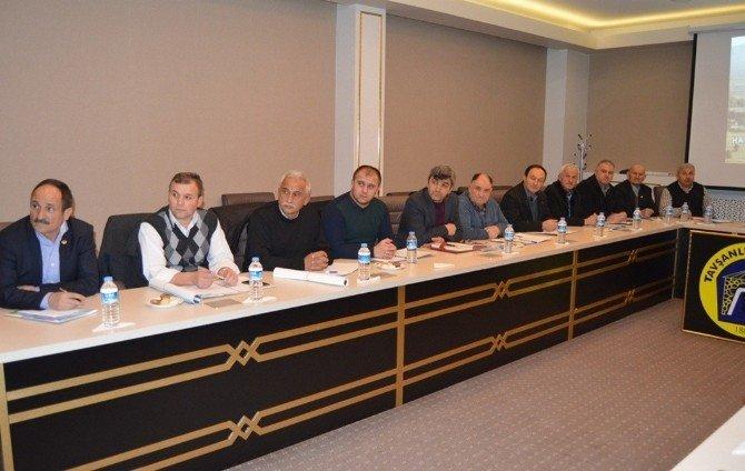 """Başkan Güler'in Muhtarlarla """"İstişare"""" Toplantısı"""
