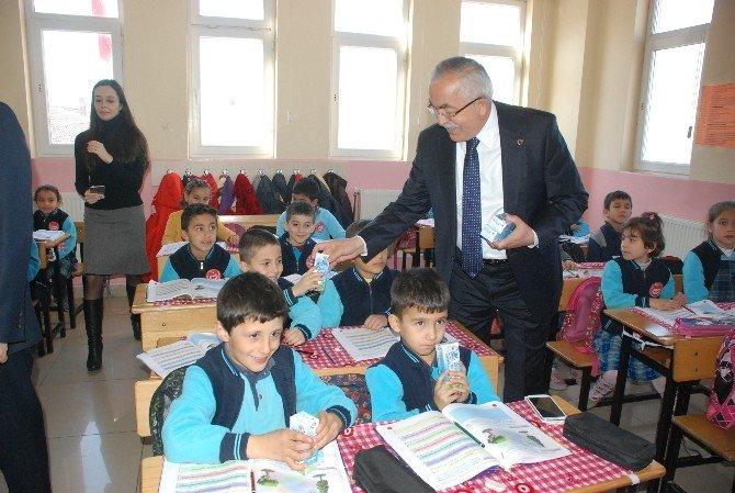 Tokat'ta Öğrencilere Okul Sütü