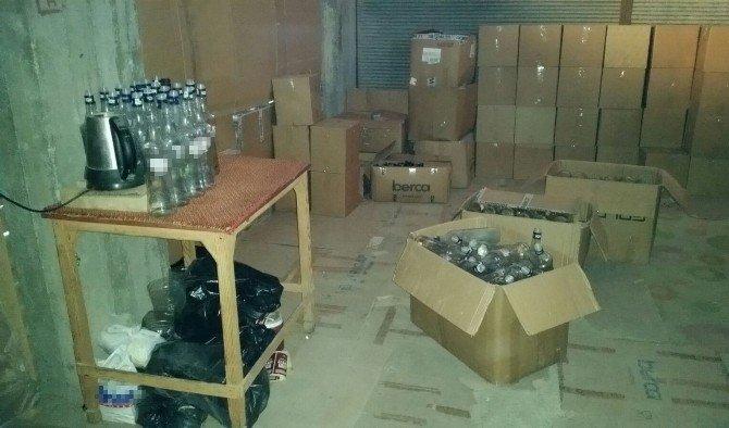 Kaçak İçki İmalatı Yapılan Eve Operasyon