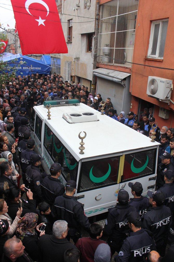 Adanalı Şehit Kadir Genç'in cenazesi baba ocağında