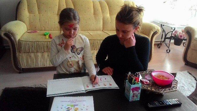 Çocuğun Yaş Grubuna Göre Anneye Eğitim