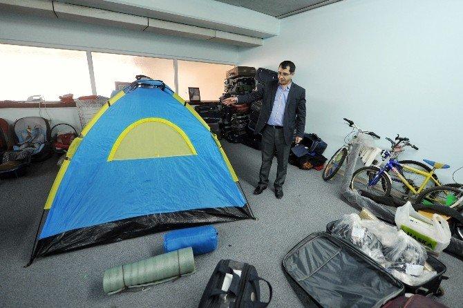 AŞTİ'de Unutulan Eşyalar Sahiplerini Bekliyor