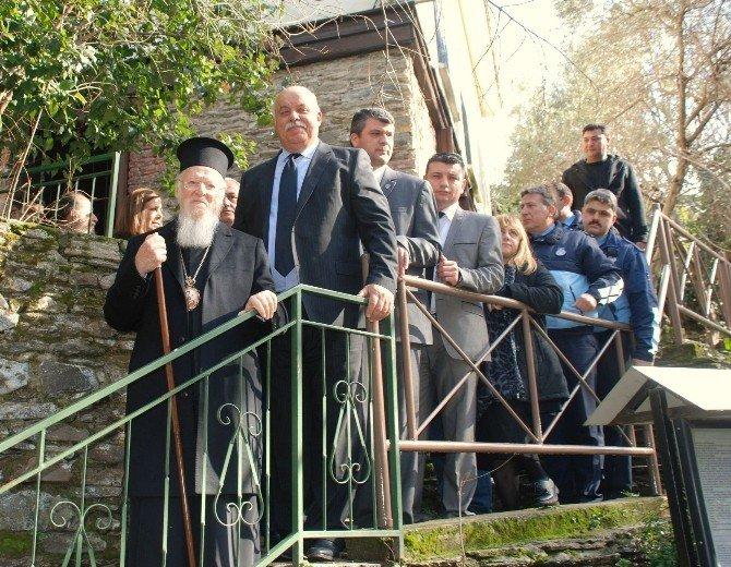 Patrik Bartholomeos Tarihi Kent Tire'yi Gezdi