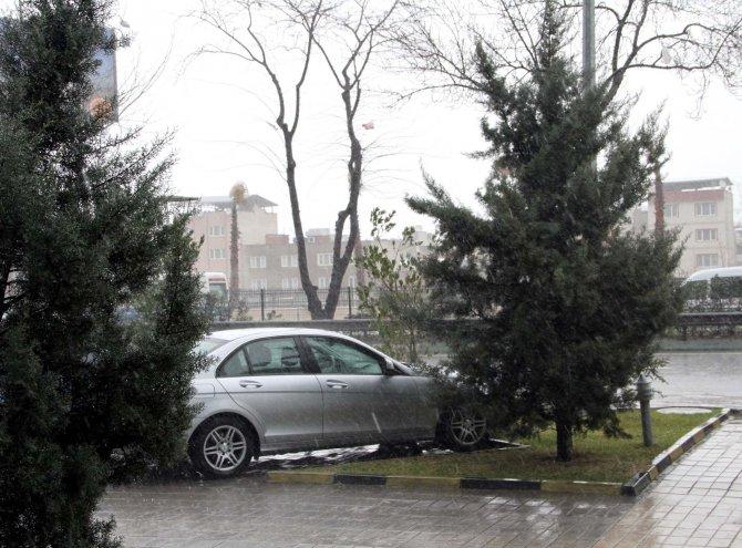 Şiddetli lodos yerini yağmura bıraktı