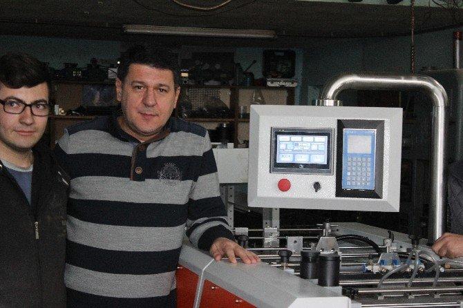 Denizlili Girişimciler, 'El İlanı Mühürleme Makinesi' Yaptı