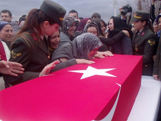 Şehit babasından Bakan Eroğlu'na: Ben 3 çocukla ne yapacağım?