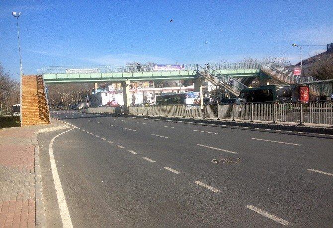 Darülaceze Otobüs Durağı Yaya Üst Geçidi Kaldırılıyor