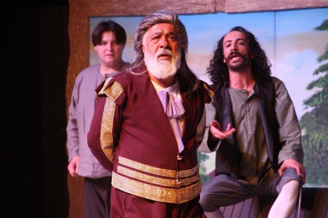 Scapın'ın Dolapları yeniden tiyatro severlerle buluşacak