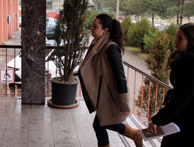 Zimmetine Para Geçiren Bankacı Ve Eşi Önce Serbest Bırakıldı, Sonra Tutuklandı