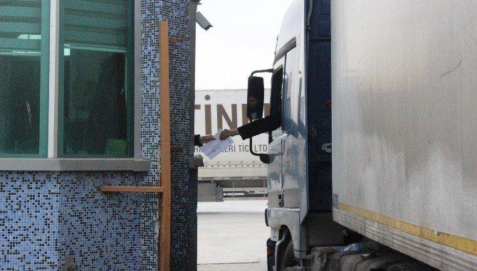 Öncüpınar Gümrük Kapısı Ticari Tır'lara Açıldı
