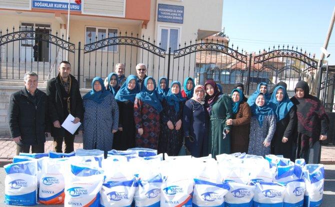 Kimse Yok Mu Derneği, Konya'da 160 aileye gıda yardımı yaptı