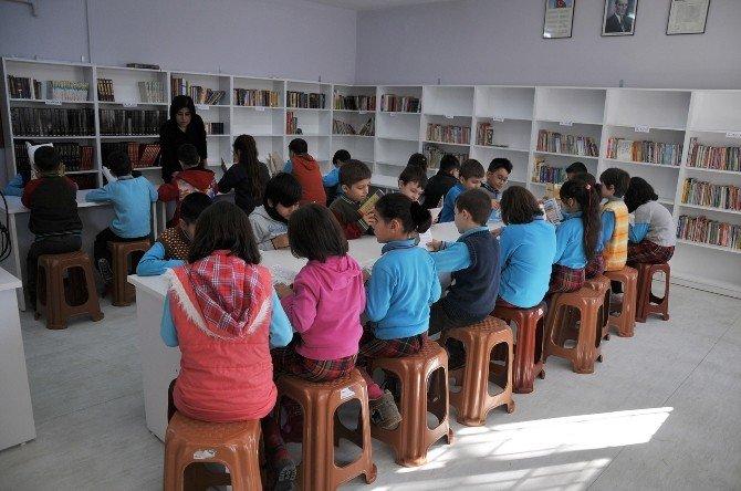 Bozüyük Belediyesi'nin Eğitime Desteği Sürüyor