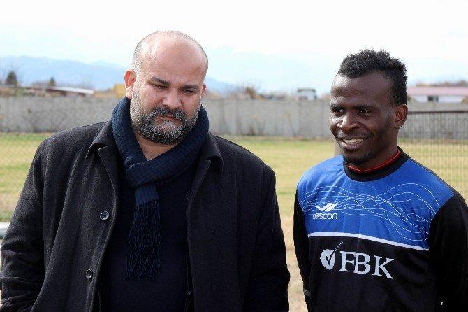 Bal Ekibi Koçaşemespor'a Nijeryalı Oyuncu