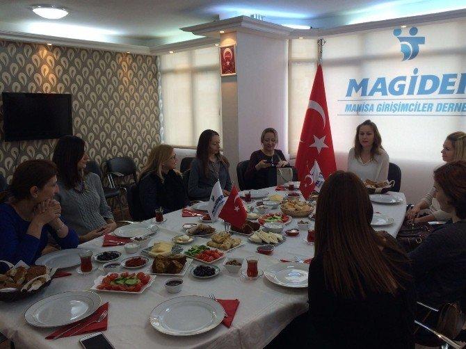 Magider'den Yabancı Gelinlere Kahvaltı