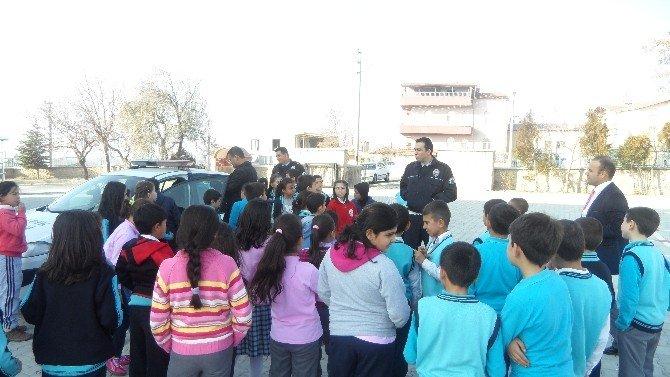 Polisler, İlköğretim Öğrencilerine Eğitim Verdi