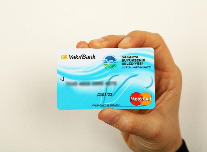 İhtiyaç sahipleri, verilen kartla istedikleri yerden alışveriş yapacak