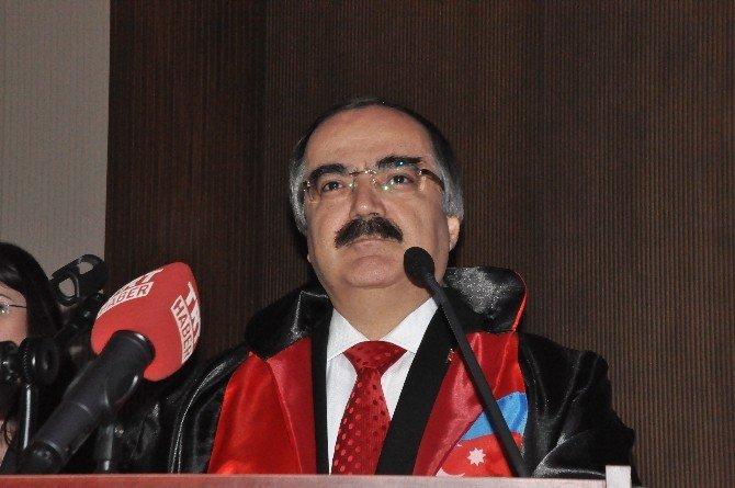 Sakarya Valisi Hüseyin Avni Coş'a Fahri Doktora Belgesi Verildi