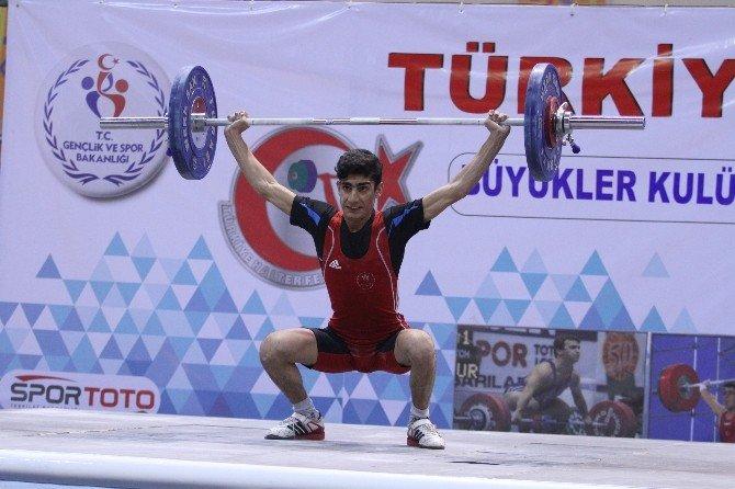 Türkiye Büyükler-kulüpler Halter Şampiyonası Başladı