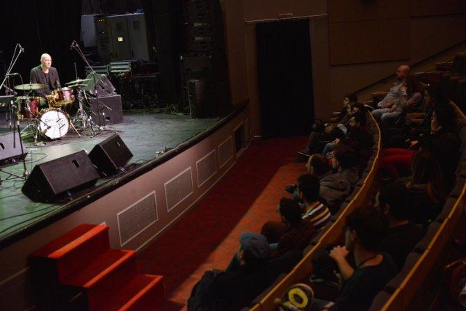 Kerem Görsev'den muhteşem konser