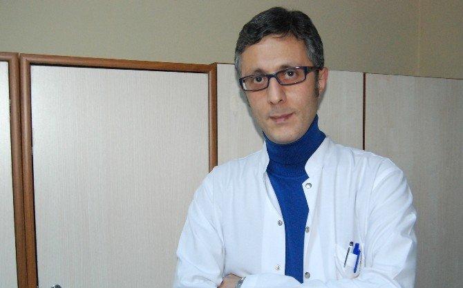 Hastanın Böbreğinden 5 Santim Taş Çıkartıldı