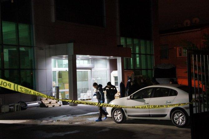 İstanbul'da gazete binalarına silahlı saldırı
