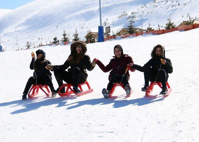 Samsunlu Gençlerin Kayak Keyfi