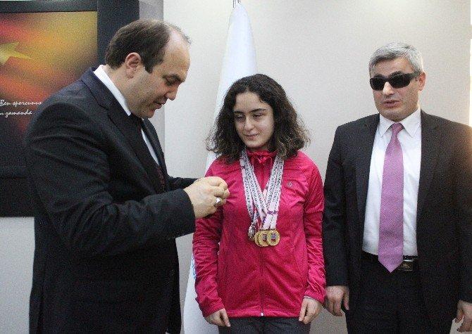 4 Madalyalı Tuğçe Aktaş, Altın İle Ödüllendirildi