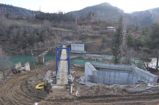 Büyükşehir'den Saimbeyli'de Yol Ve Köprü Çalışması