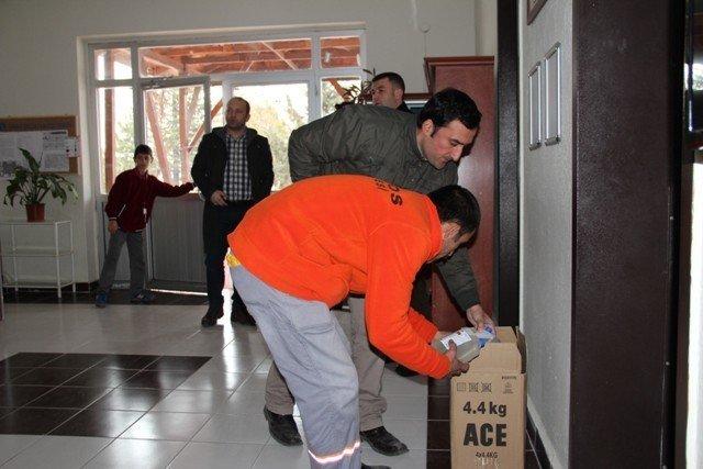 Avanos'ta Okullara Temizlik Malzemesi Dağıtıldı