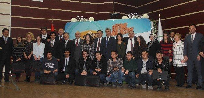 Bolu Belediyesi Bin 43 Üniversiteliye Laptop Dağıttı