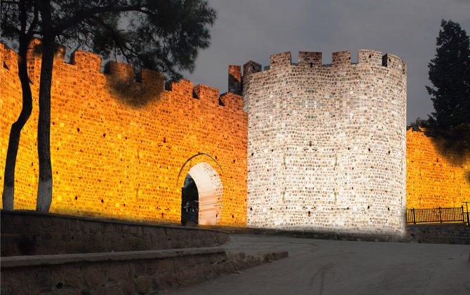 Büyük İskender yaptırdı, İzmir Büyükşehir yeniliyor