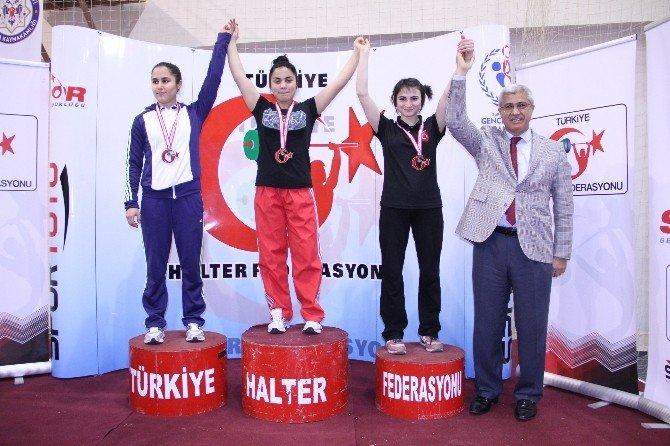 Halter Şampiyonası'nın Açılış Seremonisi Gerçekleştirildi
