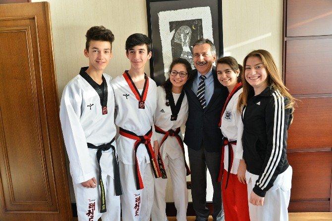 Eskişehirli Genç Tekvandocular Türkiye'yi Temsil Edecek